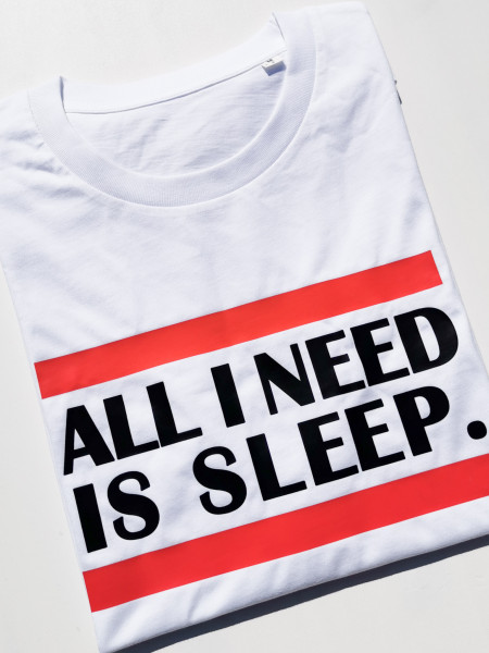 Proud to be a Mom - T-Shirt All i need is sleep